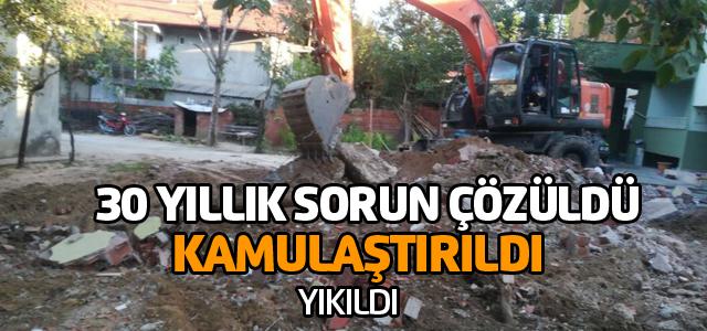 Kamulaştırılan 2 ev yıkıldı