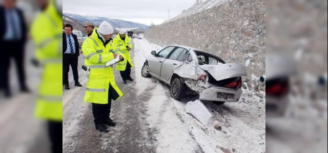 Tokat'ta buzlanma kazalara yol açtı: 5 yaralı