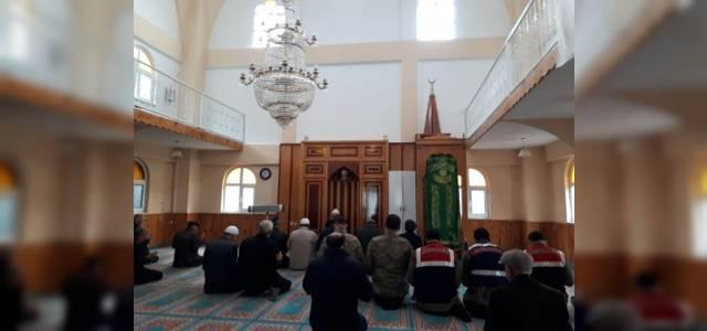 Afrin'deki Mehmetçik İçin Köylüler Dua Etti