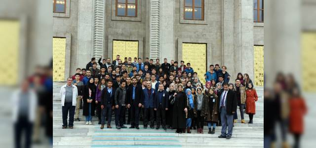 Gençler, Ankara'da rol modelini aradı
