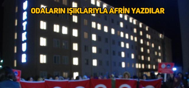 Afrin'deki Asker ve Polisler İçin Dua Ederek Yurtlarına Giriyorlar