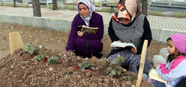 """Bayram'ın Annesi Adile Erol, """"Çocuğumuzun Dua Edeceğimiz Bir Mezarı Var"""""""