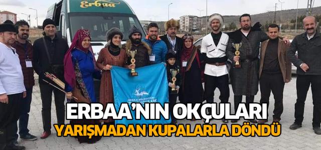 Erbaa Belediyesi Atlı Okçuluk Kulübü Erbaa'ya kupayla döndü