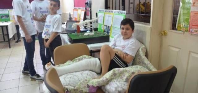 Bacağı Alçılı Halde Projesini Tanıttı