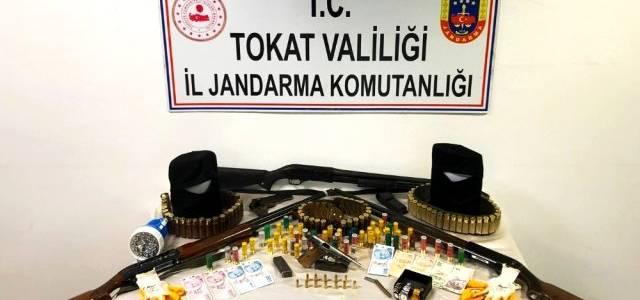Silahlı ve maskeli gaspçılar yakalandı