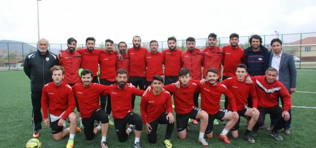 283 takım arasında kırmızı kart görmeyen tek takım: 'Turhalspor'