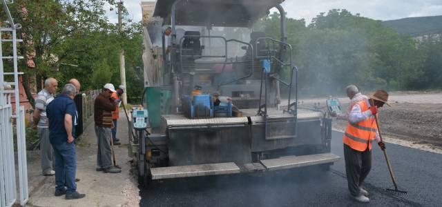Niksar'da asfalt çalışmaları başladı