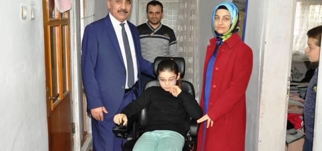 Plastik kapak toplama kampanyası ile akülü tekerlekli sandalyesine kavuştu