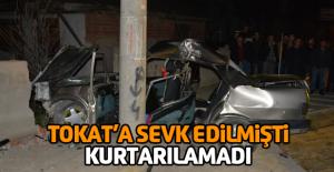 Otomobil Beton Elektrik Direğine Çarptı:...
