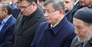Ahmet Davutoğlu, Tokat'ta Cenaze Törenine Katıldı