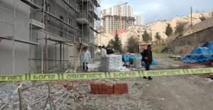 İnşaatın 10'uncu Katından Düşen Afgan İşçi Öldü