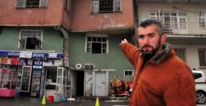 Gazete Dağıtıcısı, Yangında Afgan Aileyi Kurtardı; O Anlar Kamerada