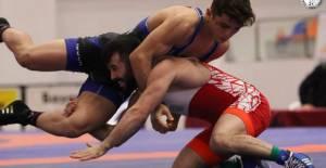 Türkiye Büyükler Serbest Güreş Şampiyonası'nda Erbaalı sporcu şampiyon oldu