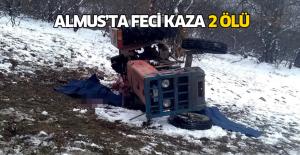 Tarlaya Uçan Traktörün Altında Kalan 2 Kişi Öldü