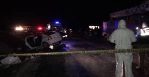 Polislerin bulunduğu otomobil kaza yaptı: 2 ölü, 2 yaralı