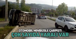 Niksar'da minibüsle otomobil çarpıştı: 4 yaralı