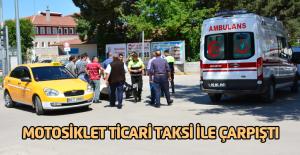 Erbaa'da Otomobille motosiklet çarpıştı: 1 yaralı