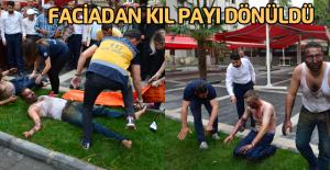 Sokak Ortasında Yanan İşçileri Vatandaşlar Söndürdü