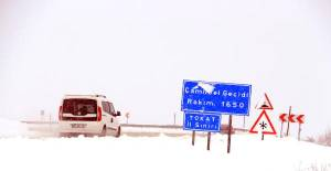 Tokat'ta Kar Yağışı Etkili Oldu