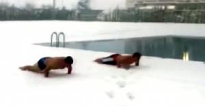 Kar Yağışını Eğlenceye Dönüştürdüler
