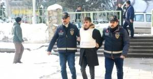 Öğrenci Kardeşini Bıçakla Öldüren Zanlı Tutuklandı
