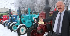 Fabrikanın önü traktör müzesi oldu