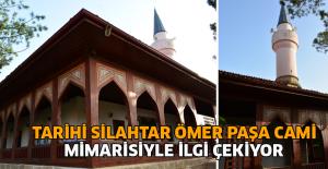 Tarihi Silahtar Ömer Paşa Camisi, ahşap mimarisiyle dikkat çekiyor