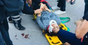 Karşıdan karşıya geçmek isteyen 2 genç kıza otomobil çarptı