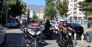 Tokat'ta, motosiklet tutkunlarından Barış Pınarı Harekatı'na destek