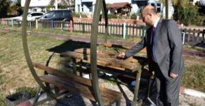 Başkan Özcan, parkta gördüğü manzaraya tepki gösterdi
