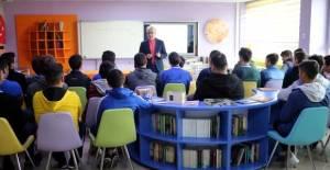 Tokat'ta öğrenciler hayal kurmayı öğreniyor