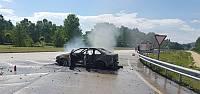 Tokat'ta seyir halindeki otomobil alev alev yandı