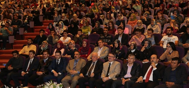 "Tokat'ta 'Islam Ve Gençlik"" Konferansı"