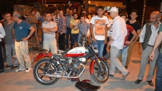 Niksar'da Motosiklet Otomobille Çarpıştı: 1 Ölü, 1 Yaralı