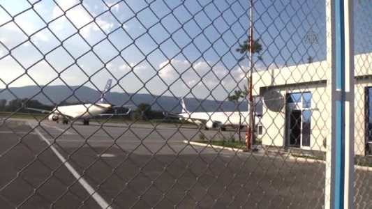 Tokat'ta yolcu uçağı pistte arızalanınca seferler iptal edildi