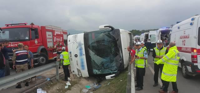 Tokat'tan Samsun'a gidiyordu, otobüs devrildi: 43 Yaralı