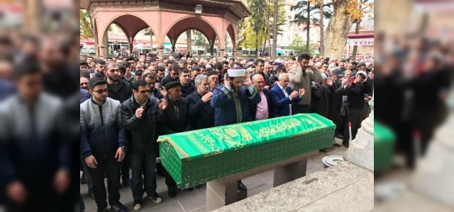 Sivas'taki motosiklet kazasında ölen genç Tokat'ta toprağa verildi