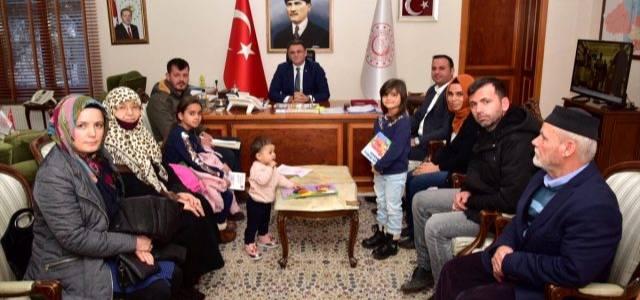 Erbaa'da evi yanan aileye valilik sahip çıktı