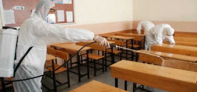 Korona virüse karşı okullar dezenfekte edildi