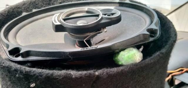 Otomobil hoparlöründen uyuşturucu çıktı