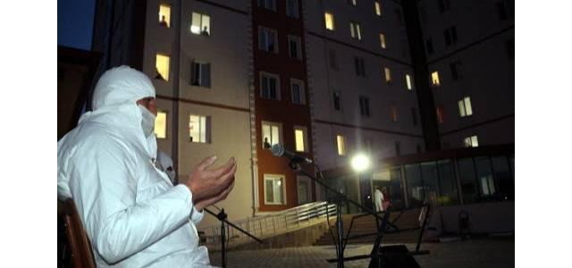 Cezayir'den getirilen Türk vatandaşlarından Berat Kandili duası