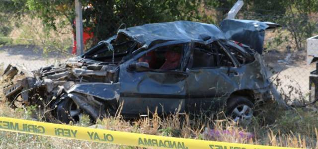 Erbaalı aile Taşova'da kaza yaptı: 1 ölü 2 yaralı