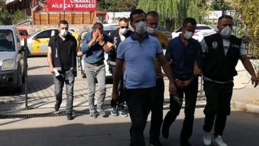 Babasını 65 bin lira dolandıran çeteyi, 2 yıl sonra yakalattı
