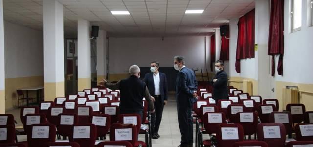Erbaa'da uzaktan eğitim merkezi, öğrencilere ders içerikleri ulaştırıyor