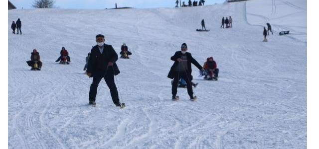 Modern kayağın atası ipli kayak ilgi çekiyor