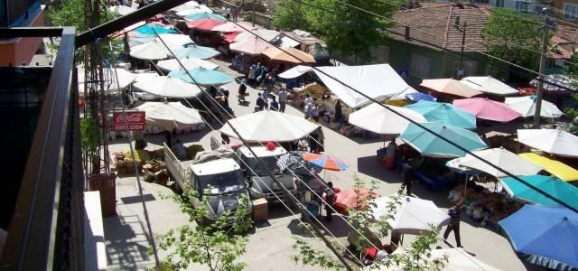 Erbaa'da kapalı olan semt pazarı açıldı