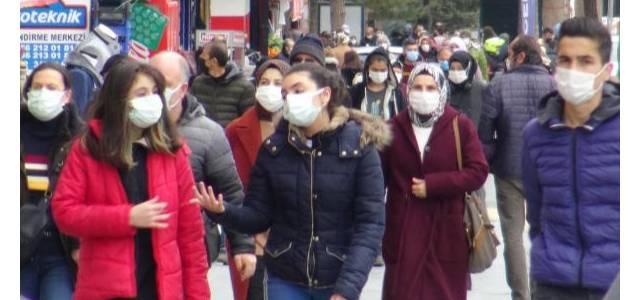 'Konuşurken ıslanan maske hemen değiştirilmeli'