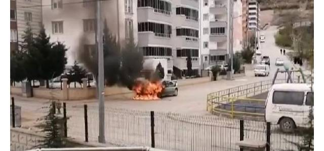 3 gün önce satın aldığı otomobil, alev alev yandı