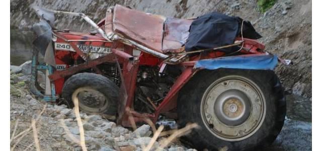 Traktör kanala uçtu: 1 ölü