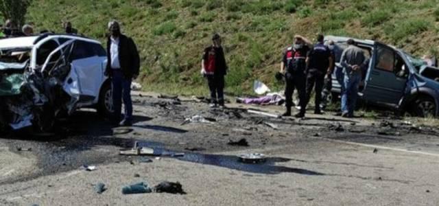 Katliam gibi kaza: 9 ölü
